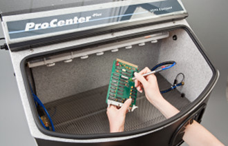 Comco ProCenter Plus with ESD Control for static-sensitive micro-precision sandblasting