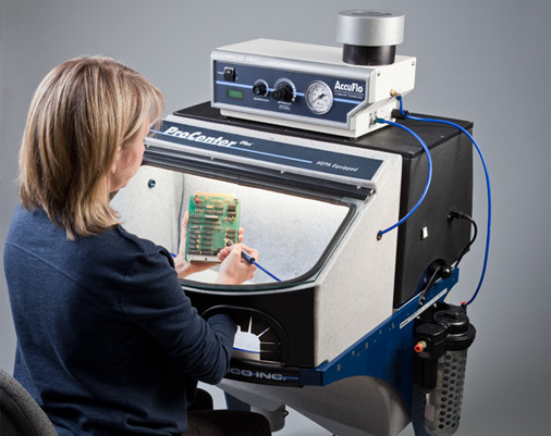 ProCenter Plus MicroBlasting Workstation
